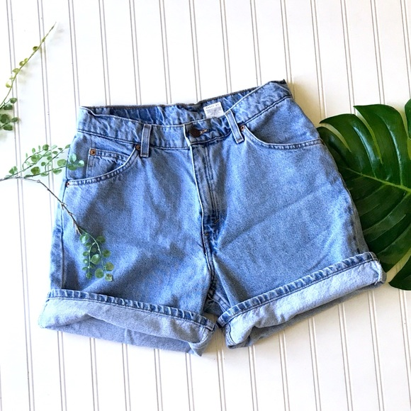 Vintage Levi's 951 relaxed fit denim jean shorts